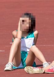 【画像】競技に集中していてパンチラしているけどまったく無防備な陸上女子たち!の画像