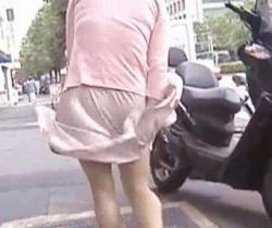 エアマスターさん流出! ダクトから吹き上げる風の悪戯でスカートがヒラリの画像