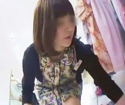 Mr.研修生流出! 年上お姉さん系ショップ店員さんのガッツリ食い込みプリケツパンチラの画像