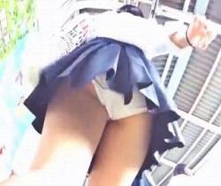 クリオネ流出!映える純白パンツの女子校生を粘着追跡!の画像