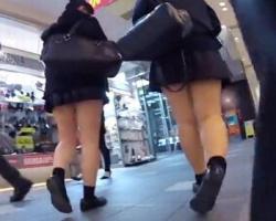 放課後ショッピング中の女子校生たちを追跡盗撮!の画像
