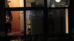 隣の家のお姉さんの裸を覗き見隠し撮りwww【海外盗撮】の画像
