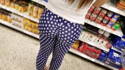 スーパーで水玉柄パツパツレギンス女性のプリけつ隠し撮りwww【盗撮】の画像