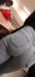 教室でJD同級生のジーンズ尻を隠し撮りwww【盗撮】の画像
