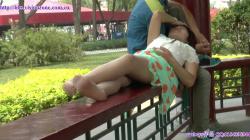【パンチラ】腋毛が気になるミニスカパンスト女子のパンツを隠し撮りwww【盗撮】の画像