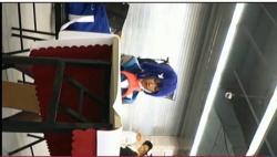 【アニコス】これはやばい青色のウィッグの可愛い美少女コスプレイヤーを追跡して逆さ撮り!の画像