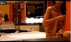 【ラブホテル】これは危険な韓国美人モデルの枕営業の実態!テレビ局のおっさんのおチンチン舐めてます。の画像
