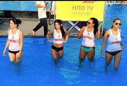 【胸チラ】ギャルたちがノーブラでプールに飛び込みます『濡れTシャツ天国』【ウェット&メッシー+Wet #038; Messy】の画像