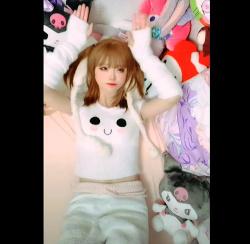 【コスプレ】小さくて可愛いです『小柔SeeUさんが夫婦共演,TikTok』の画像