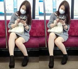 【通勤パンチラ】空いている電車でパンチラ女子を見つけて激写wの画像