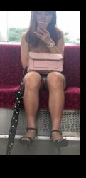 通勤電車はパンチラパラダイスって知ってるか?の画像