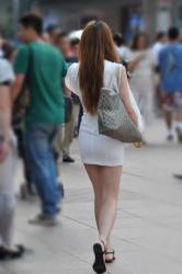 パンチラへの期待が最高潮になるミニスカ素人さん達の街撮りの画像