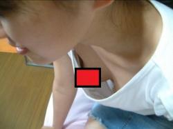 【画像30枚】乳首見えてるやん…大学キャンパス内で盗撮した女子大生(JD)の胸チラ・パンチラまとめの画像