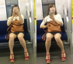 【パンチラ】通勤中に股間ばかり狙って撮影した太もも・パンチラ画像(20枚)の画像