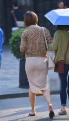 【透け透けパンチラ】どんなパンツを履いてるか周囲にお披露目してる素人の透けパンチラ画像(20枚)の画像