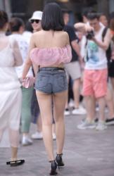 ハミ尻に生足がエロい街中女子達を隠し撮りしまくってみたの画像