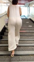 目の前に透け透けおパンツの女子がいてエロ過ぎたんだが…の画像