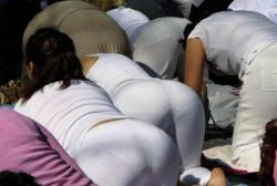 スパッツ・ジャージとかスポーティーな格好をした女性の尻・透けパンチラの隠し撮りの画像