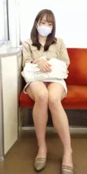 仕事の活力になる通勤中のパンチラ画像の画像