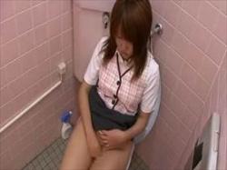 【素人盗撮】制服姿が可愛い!個室にエロい喘ぎ声響かせて自慰に没頭するOLさんを職場のトイレで隠撮の画像