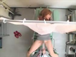 【素人盗撮】2人の娘が餌食になってる産婦人科の変態医師のコレクション映像!診察台でエロ診察の真実がこれの画像
