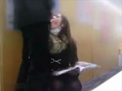 【個人撮影】不倫交際中の2人が刺激を求めて図書館で撮影した情事がこちら!死角でのフェラやトイレでのSEXの画像