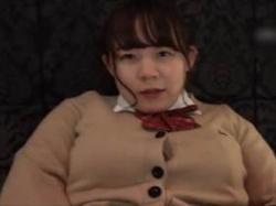 【個人撮影】ムチムチのJDに制服コスさせてオナニー撮影!ローターで本気で感じて逝く姿を投稿の画像