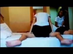 【個人撮影】ヤリ部屋盗撮!制服を着た娘たちが性行為に耽る様子を隠しカメラで記録した詳細不明の流出映像の画像