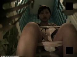 【女子トイレ盗撮】ウォシュレットオナニー中毒ギャルの画像