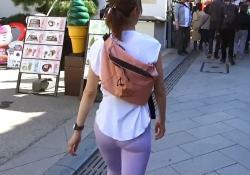 安田美沙子(37)、スパッツで尻、パンツ透けすぎ激エロ!!【GIFあり】の画像
