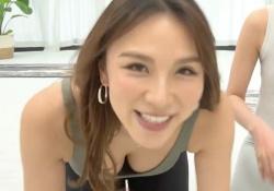 赤松悠実(30)、おっぱいモロ見えヨガ、ピチピチスパッツ尻がエロすぎな件!!の画像