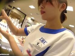 【HD隠撮動画】アパレル系ではない清楚な激カワ美人ショップ店員さんのパンチラ映像の方がぐうしこwwwの画像