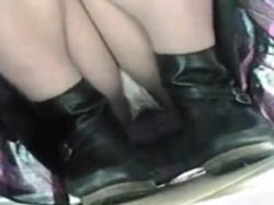 【隠撮動画】美人ショップ店員のお姉さんのパンチラを様々な角度から収録した危な過ぎる映像がコレ!の画像