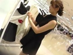 【隠撮動画】逆さHERO!スレンダー清楚系美人のショップ店員のお姉様のパンチラ映像を公開!の画像