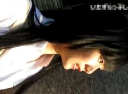 【隠撮動画】いたずらっ子し隊!清純美少女のパンチラを撮影するためにスカートを捲る危険人物!の画像