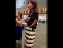 【隠撮動画】スレンダー美人のショップ店員のお姉様を逆さ撮りしたパンチラ映像がコレwwwの画像
