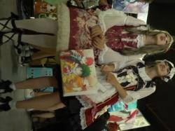 【隠撮動画】イベント会場でマジ美少女なゴスロリお二人さんのパンチラを逆さ撮りした映像報告wwwの画像