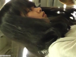 【隠撮動画】JC中◯生化も!!!超可愛らしい清純ピュア美少女のパンチラを逆さ撮りした大問題映像wwwの画像