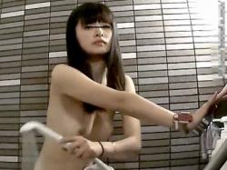 【隠撮動画】女子風呂隠し撮り映像!!!マジな美人お嬢さんの清らかな裸体収録!!の画像
