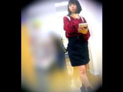 【HD隠撮動画】観覧注意!ボブヘアーの童顔ロリ美少女のJC中◯生の未成熟パンチラ!!の画像