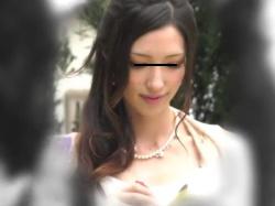 【HD隠撮動画】超SSSSS級の美女だらけ!結婚式の真っ最中にパンチラ胸チラ隠し撮り放題wwwの画像