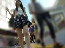 【隠撮動画】美人すぎてヤバイ!スレンダー素人ギャルのデート中にパンチラを尾行撮影wwwの画像