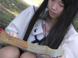 【HD隠撮動画】秘密厳守!どう見てもJS小○生なロリ美少女のパンチラ映像が発見される!!!の画像