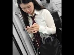 【HD隠撮動画】激カワ清楚系お嬢さんの侮れない極上パンチラ映像がコレwwwの画像