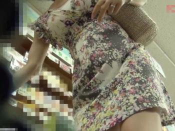 【HD隠撮動画】清楚系美人さんのパンチラがマジ最強!買い物中にパンティ盗撮済み!