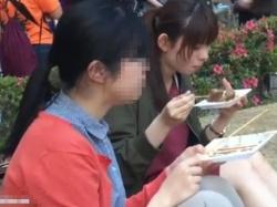 【隠撮動画】清純美少女で真面目そうなJD娘さんのパンチラを大学校内で盗撮成功wwwの画像
