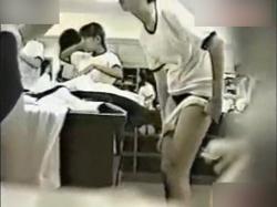 色々アウト!素人JCが体操服・ブルマに着替える様子をじっくり固定カメラで盗撮することに成功!の画像