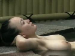 【無修正】露天風呂の女湯の隠し撮り映像に超絶爆乳おっぱいの美女が入浴wの画像
