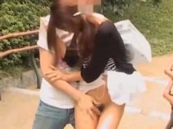 スカートめくりマン毛強奪!美女にそっと近づきパンツを下して無理やりむしり取るの画像