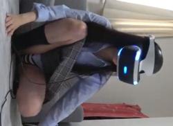 VR体験中の制服JKのパンティと乳首を盗撮し放題のパンチラ胸チラ動画の画像
